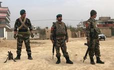Mueren 25 personas, incluidas autoridades afganas, al estrellarse un helicóptero