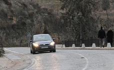 Otro vehículo choca contra un bolardo en la cuesta de los Hoyos