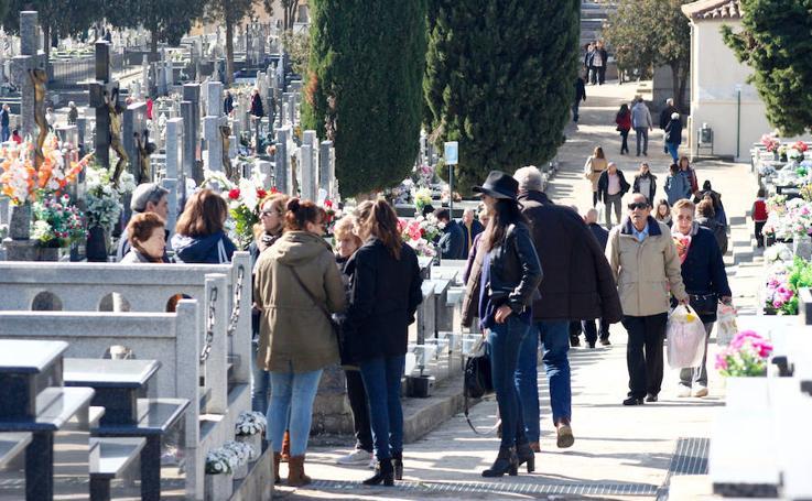 Los salmantinos recuerdan a sus difuntos en el Día de Todos los Santos