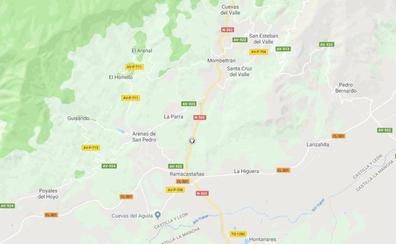 Cuatro heridos tras la colisión entre dos turismos en Arenas de San Pedro (Ávila)