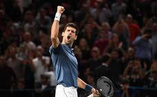 Djokovic derrota a Federer y jugará la final contra Khachanov