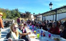 Escurial de la Sierra acoge la Fiesta de las Patatas de Herradero con gran afluencia de gente