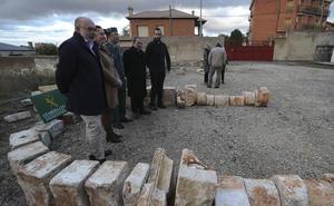 Una operación con dos detenidos permite devolver 150 piezas de sillería y dos rejas robadas en agosto a la diócesis de Osma-Soria