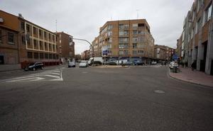 La falta de señales para anunciar la obra retrasa el corte de la plaza de Luis Braille de Valladolid