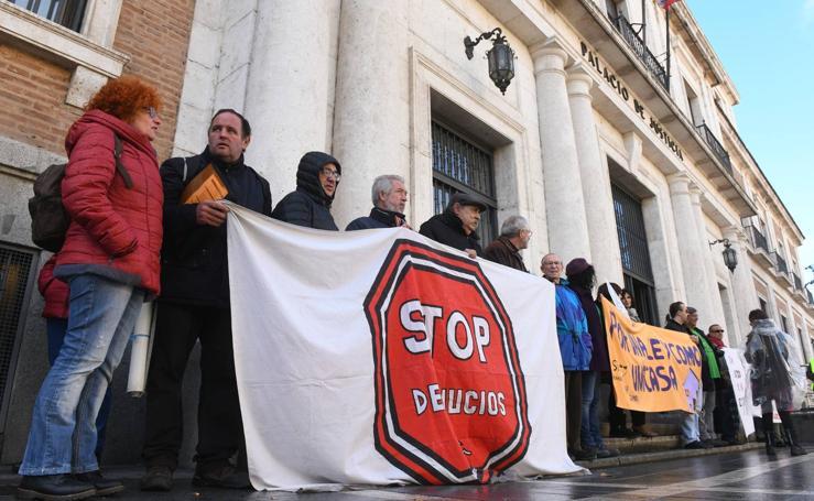 Protesta de la plataforma Stop Desahucios en Valladolid