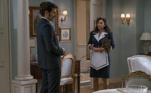 Mónica intenta mediar entre Carlos y su padre