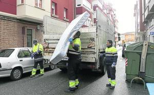 El número de enseres tirados en Palencia sin llamar al servicio de recogida aumenta un 11%