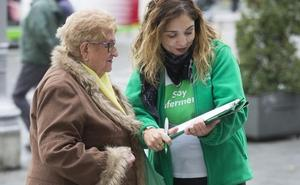 Satse recoge firmas para que se garantice por ley un número máximo de pacientes por enfermero