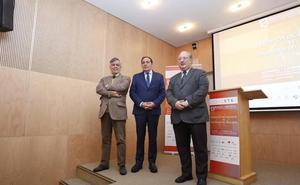 Sáez Aguado señala que el nuevo vial es «imprescindible» para la apertura completa del Hospital