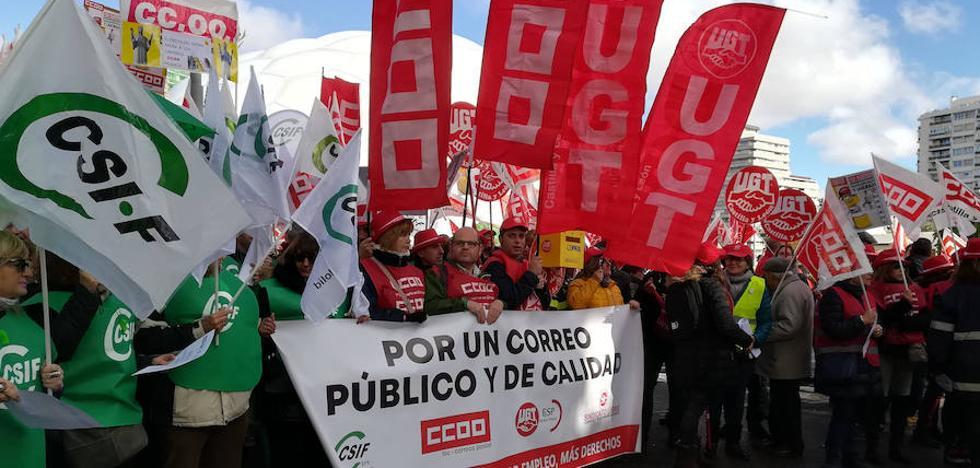 Empleados de Correos reclaman los 150 puestos de trabajo perdidos en Valladolid con la crisis