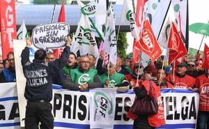 Más de 400 empleados de prisiones exigen en Valladolid que se desbloquee la negociación con el Gobierno