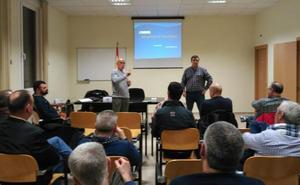 Aume explica las negociaciones con el Ministerio y los partidos para buscar empleo a los soldados de 45 años