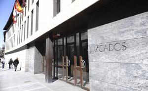 Retiran la patria potestad a un hombre en Valladolid por maltratar a su mujer ante sus hijas menores