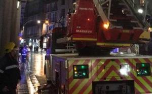 Los bomberos intervienen en un desprendimiento en el centro de Valladolid