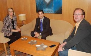 Las agencias y los empresarios proponen dotar al aeropuerto de Salamanca de nuevas rutas comerciales