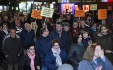Manifestación por la reapertura del centro sanitario de la calle Trabajo en Valladolid