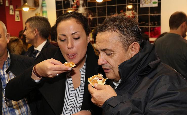 Degustación de la tapa ganadora del Concurso Nacional de Pinchos en el restaurante La Teja