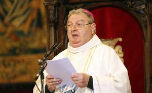 El obispo de Palencia será operado este sábado de la cadera