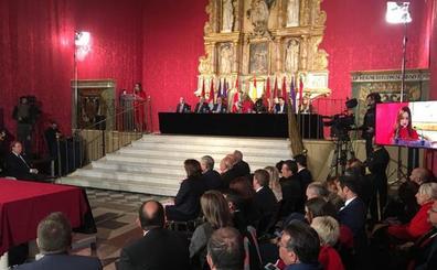 Los 476 procuradores de la historia de Castilla y León reciben un homenaje en Tordesillas