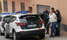 Los once detenidos por robos con fuerza son trasladados a prisíon tras declarar ante el juez.