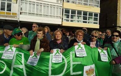 Centenares de vecinos urgen a la Junta a mejorar la sanidad en Palencia