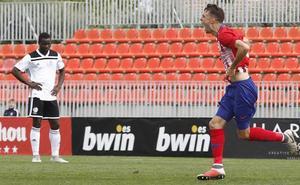 Otro palo para el Salamanca CF ante el Atlético de Madrid B... y contra 10 (2-1)