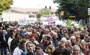 Cerca de 4.000 personas se suman a la séptima Marea Blanca en defensa de la Sanidad Pública