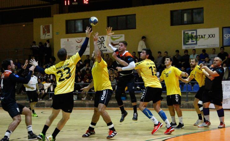 Empate entre el BM Salamanca y el BM Soria (27-27)