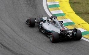 Hamilton, vencedor de la pelea entre Verstappen y Ocon