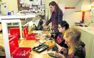 La Escuela de Arte de Palencia creará una bolsa de trabajo para sus titulados