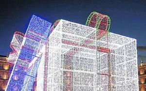 Una caja de regalo gigante y luminosa, principal novedad de las luces de Navidad