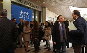 Los 130 abogados del turno de oficio de Palencia exigen al Ministerio casi medio millón de pagos atrasados