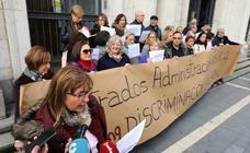 Concentración de letrados judiciales ante la Audiencia de Valladolid