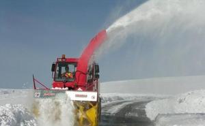 Más de 100 profesionales, 10 quitanieves y 11 almacenes de fundentes, operativo de nevadas en Zamora