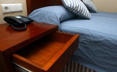 Detenido por robar en habitaciones de hoteles mientras sus huéspedes dormían