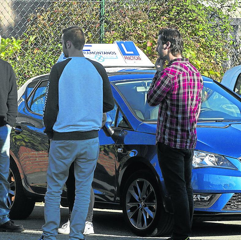 La amenaza de huelga podría volver a paralizar los exámenes para obtener el permiso de conducir
