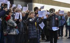Concentración en Valladolid de los trabajadores de la administración de Justicia