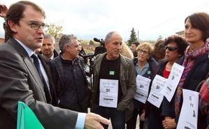 Mañueco adelanta a 2019 la unidad satélite de radioterapia en Segovia