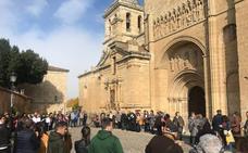 Cáritas reúne a 100 personas en CIudad Rodrigo en un acto silencioso por los pobres