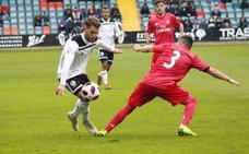 Fer Ruiz rescata un punto para el Salamanca CF en la prolongación ante el Real Madrid Castilla (3-3)