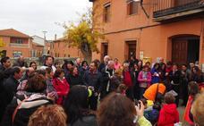 Marcha solidaria en Villasexmir para apoyar a la pequeña Julia