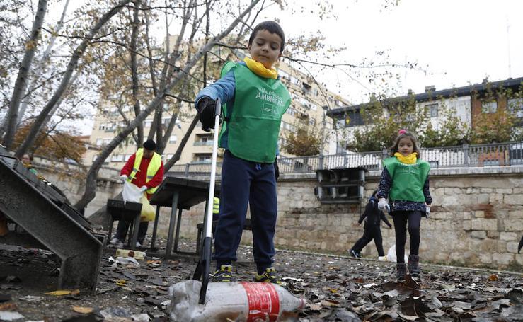 Recogida de residuos en la ribera del Carrión