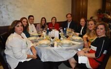 La cena solidaria de la AECC homenajea a las mujeres fallecidas por el cáncer en Guijuelo