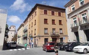 Las calles Domingo de Soto e Ildefonso Rodríguez pierden sus aparcamientos dos semanas