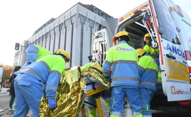 Simulacro de incendio y evacuación en El Corte Inglés del Paseo de Zorrilla