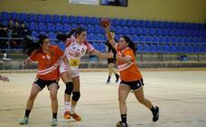 El BM Salamanca cadete femenino planta cara a la selección nacional promesa en el Río Tormes (22-24)
