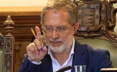 Saravia confiesa a los suyos que ha presentado la dimisión tres veces durante el mandato