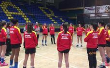 El BM Salamanca cadete femenino se mide esta tarde a la selección nacional promesas en el Río Tormes