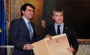 El PSOE exige al Ayuntamiento que retire el título de Huésped Distinguido a Ignacio Cosidó