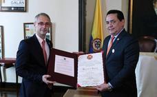 El Congreso de Colombia condecora a la USAL por su VIII Centenario